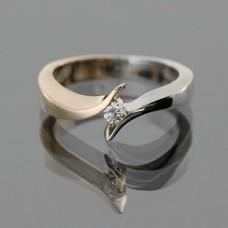 """Золотое кольцо с бриллиантом """"Филадельфия"""""""