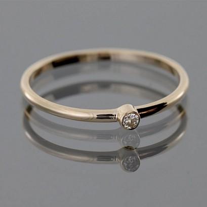 """Золотое кольцо с бриллиантом """"Гелла"""""""